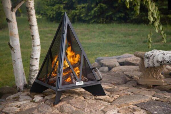 3′ Pyramid outdoor fireplace burning wood