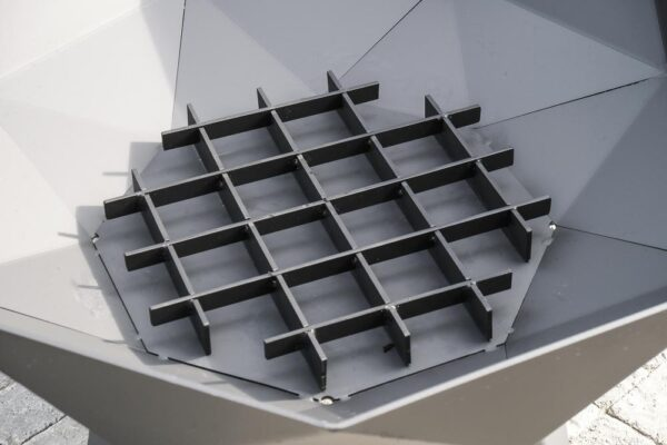 Polygon Medium Fire Grate